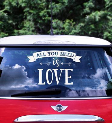"Adesivo Macchina Sposi Bianco ""All You Need Is Love"""